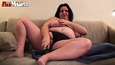 BBW slut Renate is just out of the shower and ready for some toying