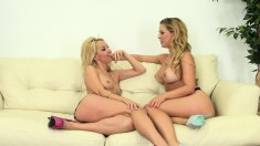 Blonde beauties Aaliyah and Cherie take care of each other's desires