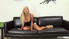 Tasha Reign is seriously intends to cum in front of a camera