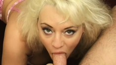 Alluring blonde has her big boobs and sexy lips pleasing a long dick