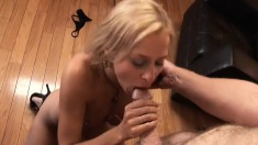 Provocative blonde mom has a hung guy fulfilling her urges on the sofa