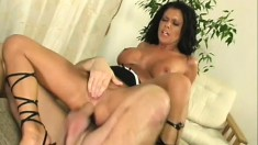 Gorgeous slut Cintia gets on all fours to have her butt banged