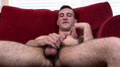 Cute guy Scott Millie puts his body on display and makes himself cum