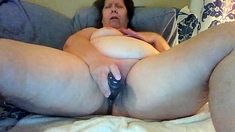 Mature chubby toying her fat and wrinkled cunt