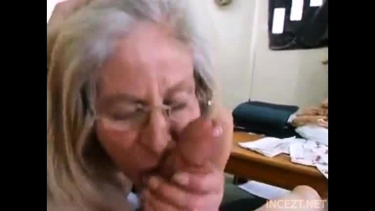Films porno gratuits et vidéos de sexe et films de cul - Mature Granny Gives  A Blowjob And Is Fucked - 499987 - ProPorn.com