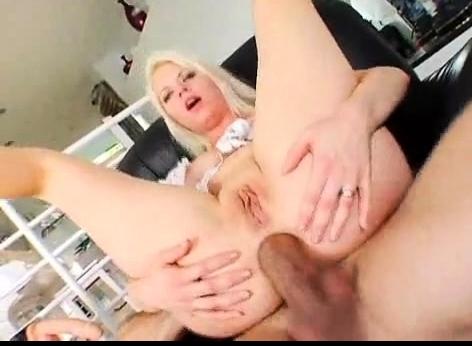 blonde Anal Sex Videos zwarte kerels die geslacht met witte kerels hebben