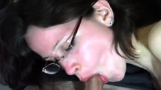 Big booty hoe clamps her pussy in fetish bdsm action